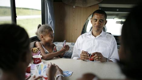 Photo de Obama jouant au Uno avec sa famille